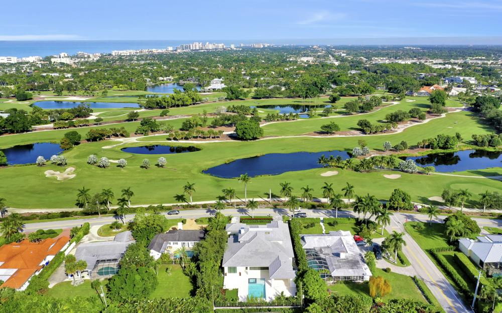 686 S Golf Dr, Naples - Home For Sale 2059277083