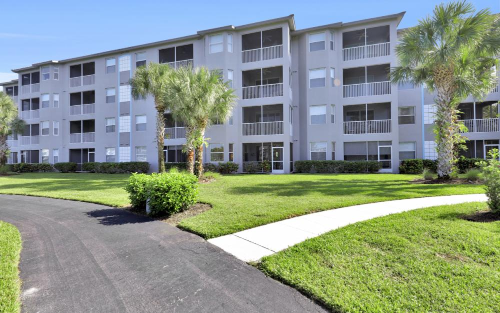 16615 Lake Circle Dr #413, Fort Myers - Vacation Rental 2086976761