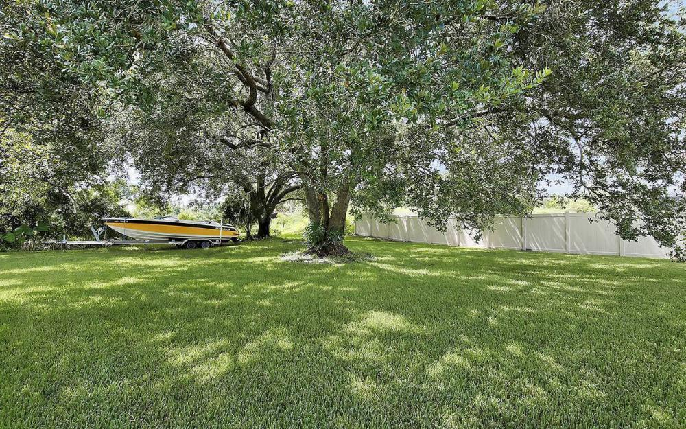 12050 Nokomis Ct, Fort Myers - House For Sale 158891045