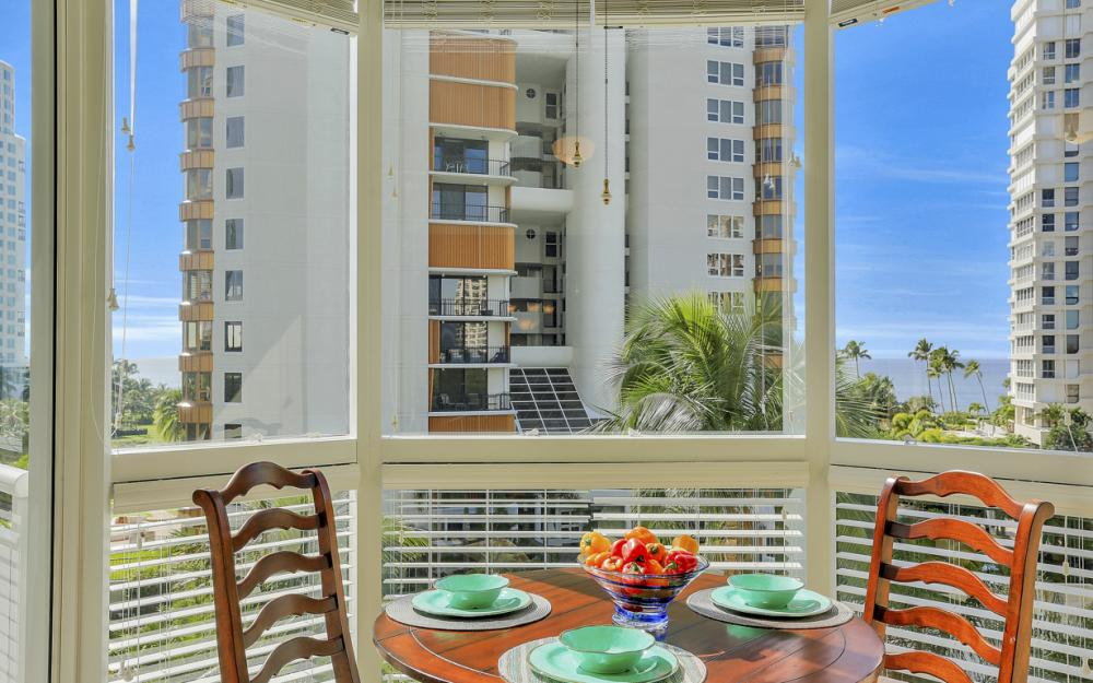 4255 Gulf Shore Blvd N #305, Naples - Home For Sale 145099130
