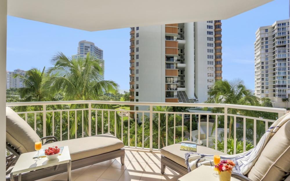 4255 Gulf Shore Blvd N #305, Naples - Home For Sale 1265100038
