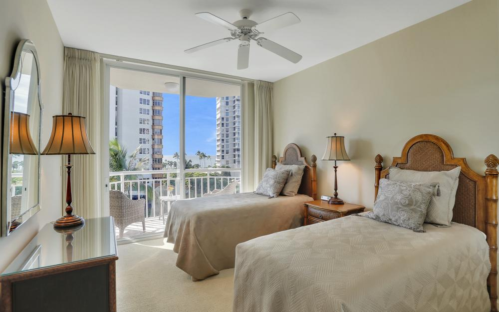 4255 Gulf Shore Blvd N #305, Naples - Home For Sale 566598221