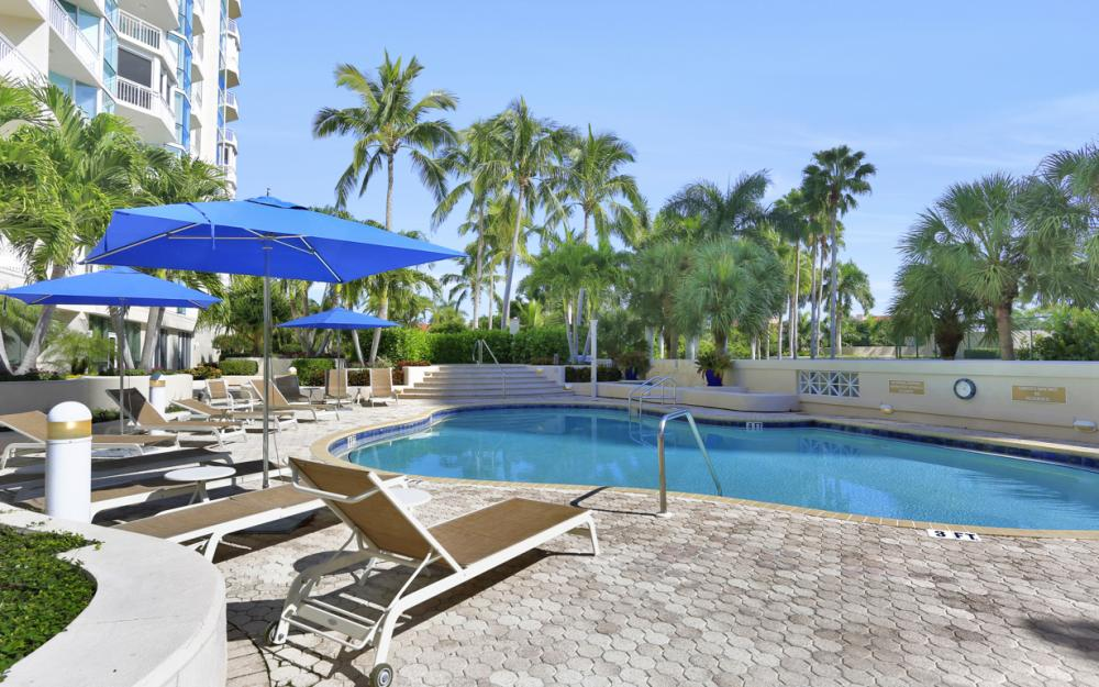 4255 Gulf Shore Blvd N #305, Naples - Home For Sale 4217919
