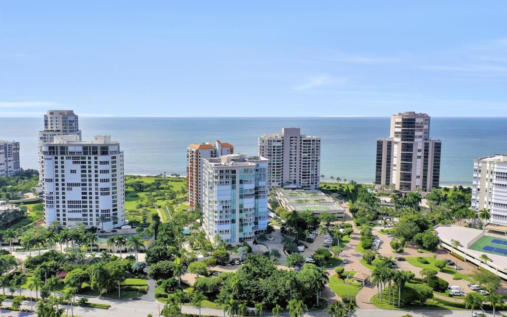 4255 Gulf Shore Blvd N #305, Naples - Home For Sale 483266865