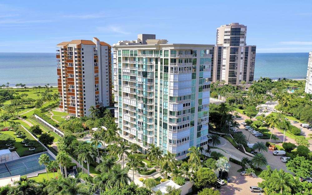 4255 Gulf Shore Blvd N #305, Naples - Home For Sale 402911331