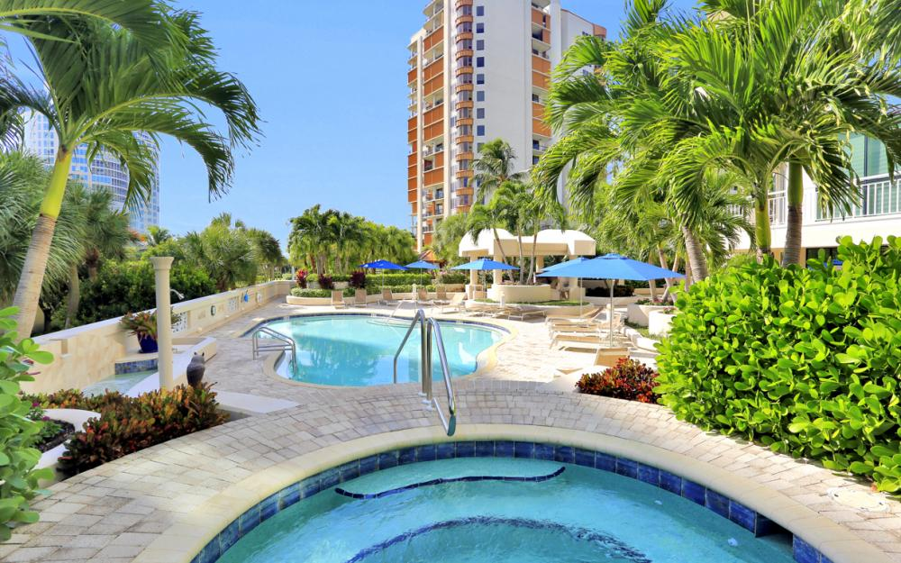 4255 Gulf Shore Blvd N #305, Naples - Home For Sale 863306033