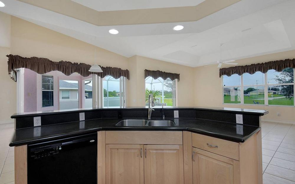209 NW 29th Ave, Cape Coral - House For Sale 1692663179