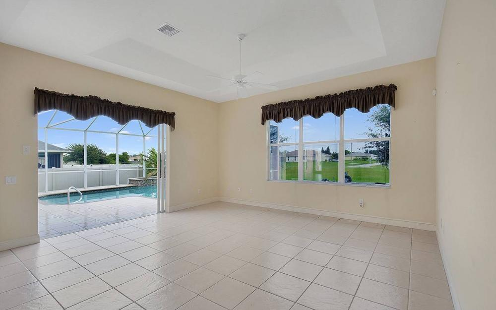 209 NW 29th Ave, Cape Coral - House For Sale 989210306