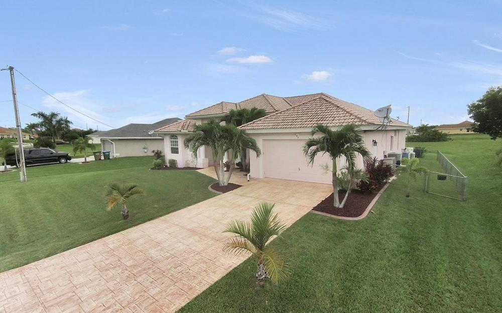 209 NW 29th Ave, Cape Coral - House For Sale 237956604