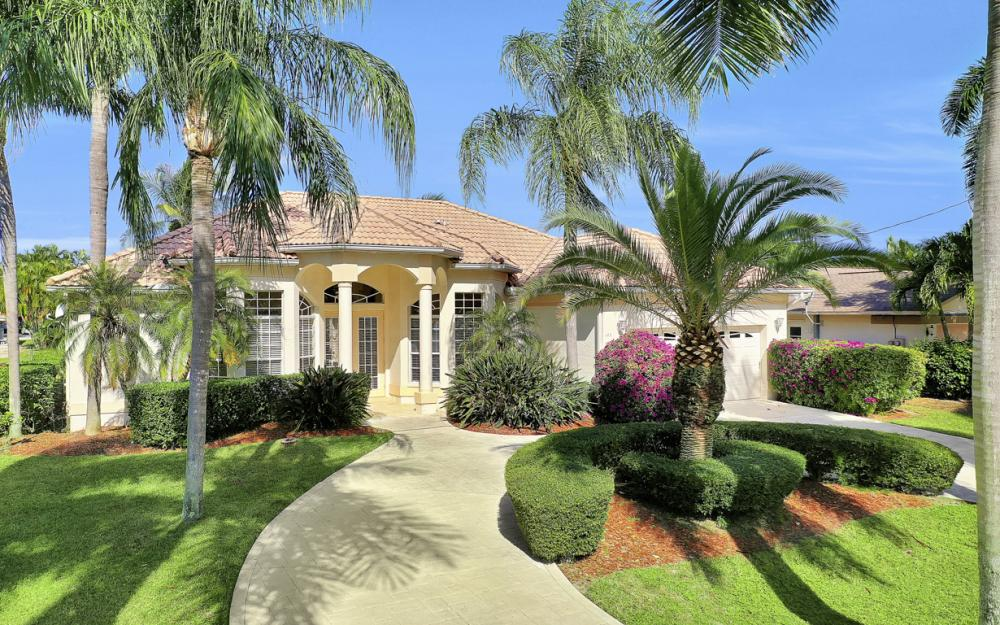 123 SW 51st Ter, Cape Coral - Home For Sale 236389562
