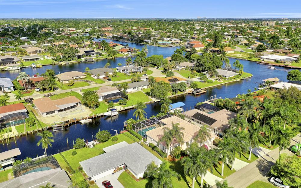 123 SW 51st Ter, Cape Coral - Home For Sale 83838394