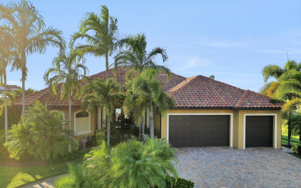 3232 Surfside Blvd, Cape Coral - Home For Sale 1059843412