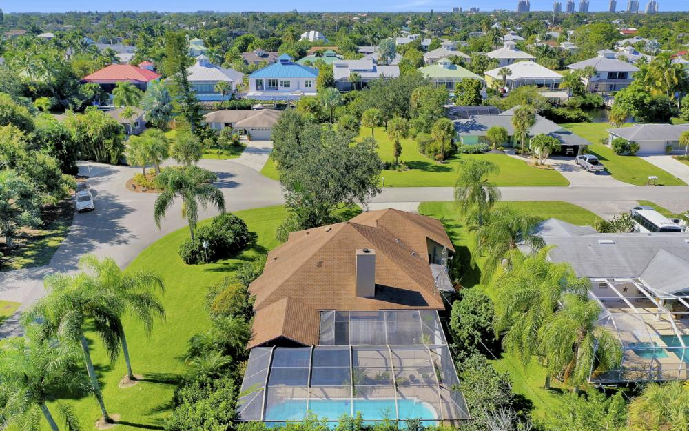 27193 Barefoot Ln, Bonita Springs - Home For Sale 342962393