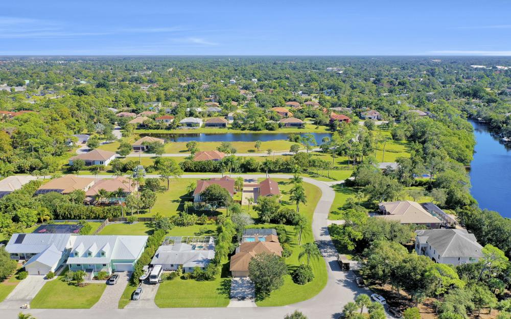 27193 Barefoot Ln, Bonita Springs - Home For Sale 2075057170