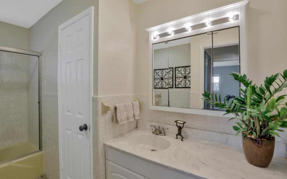27091 Homewood Dr, Bonita Springs - Home For Sale 253871702