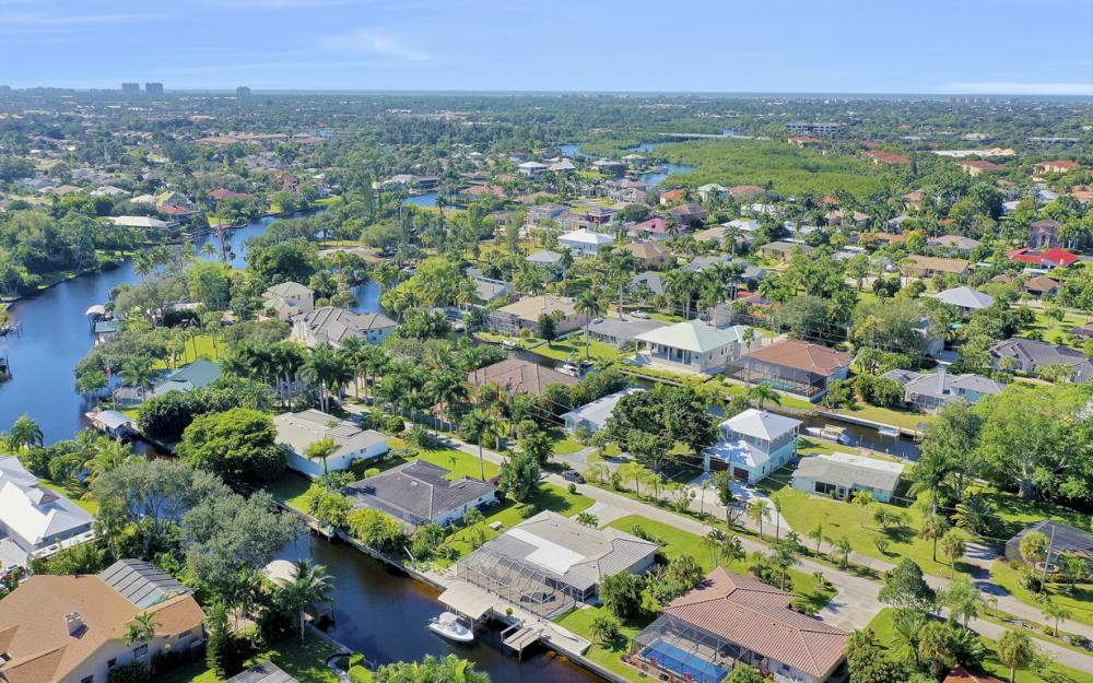 27091 Homewood Dr, Bonita Springs - Home For Sale 618435862