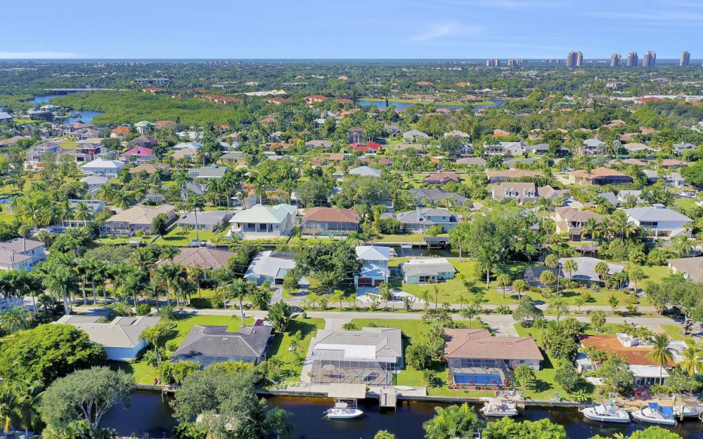 27091 Homewood Dr, Bonita Springs - Home For Sale 1889318159
