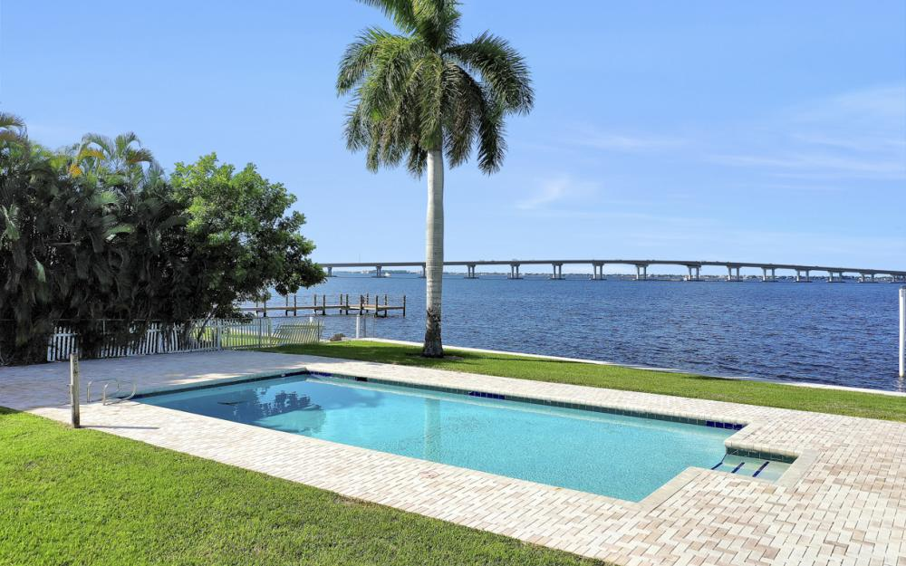 4105 W Riverside Dr, Fort Myers - Luxury Home For Sale 1125242386