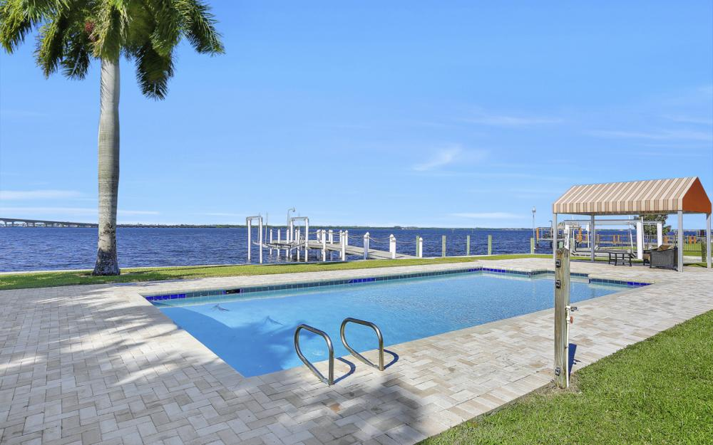 4105 W Riverside Dr, Fort Myers - Luxury Home For Sale 826764353