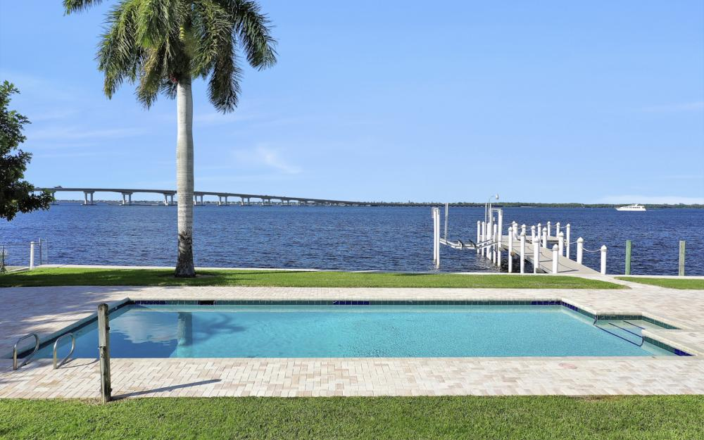 4105 W Riverside Dr, Fort Myers - Luxury Home For Sale 1959352952