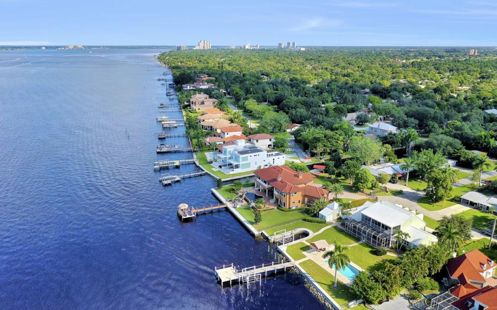 4105 W Riverside Dr, Fort Myers - Luxury Home For Sale 829799305