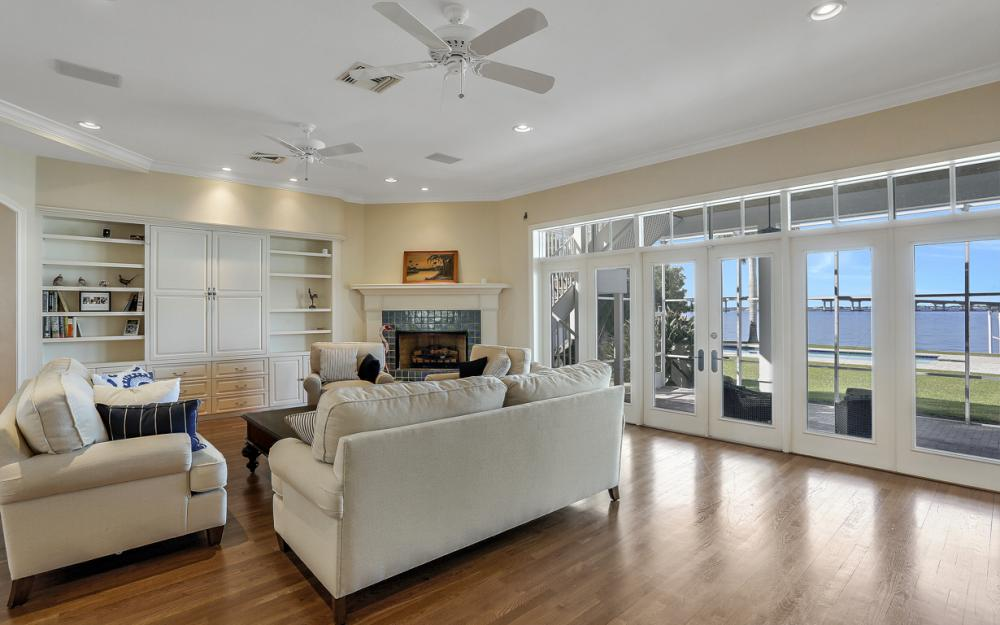 4105 W Riverside Dr, Fort Myers - Luxury Home For Sale 320983978