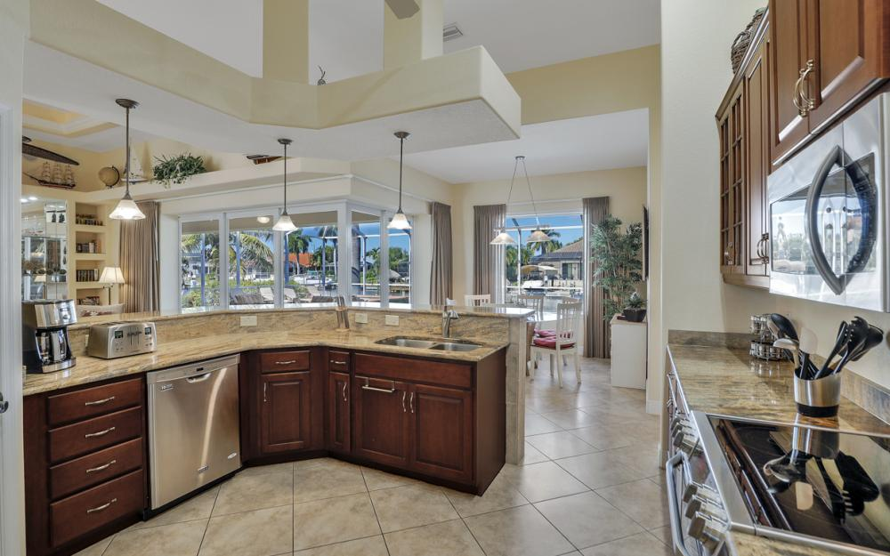2305 SW 50th St, Cape Coral - Home For Sale 2115752501