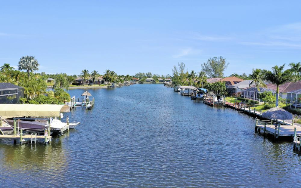 2305 SW 50th St, Cape Coral - Home For Sale 1999154937