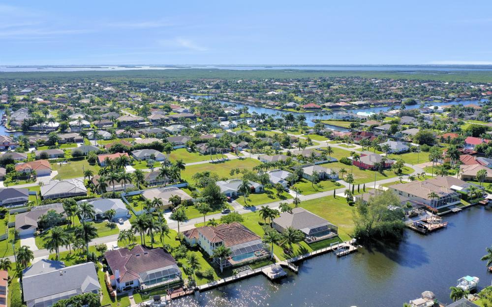 2305 SW 50th St, Cape Coral - Home For Sale 806274463