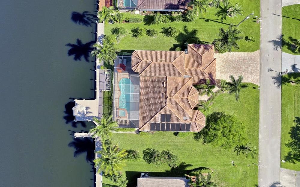 2305 SW 50th St, Cape Coral - Home For Sale 1042195928