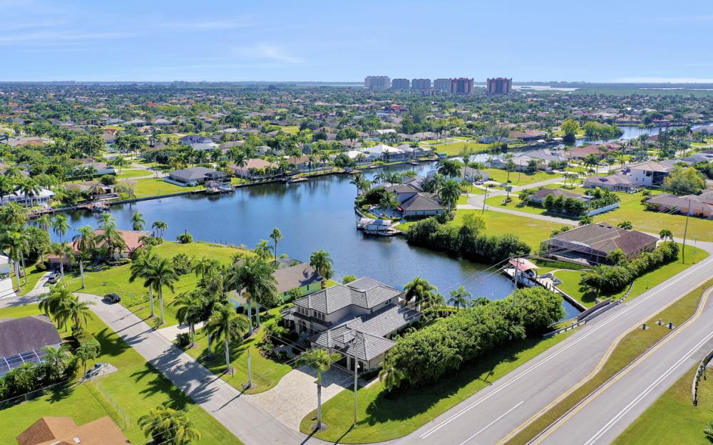 2032 SW 51st St, Cape Coral - Luxury Home For Sale 1552627525