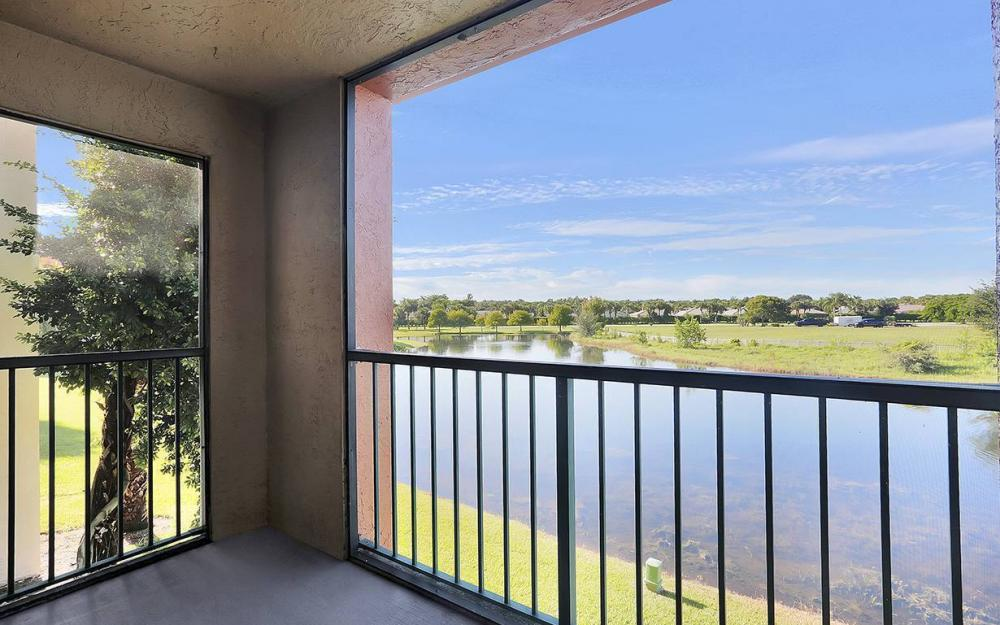 13615 Eagle Ridge Dr #1628, Ft.Myers - House For Sale 200359896