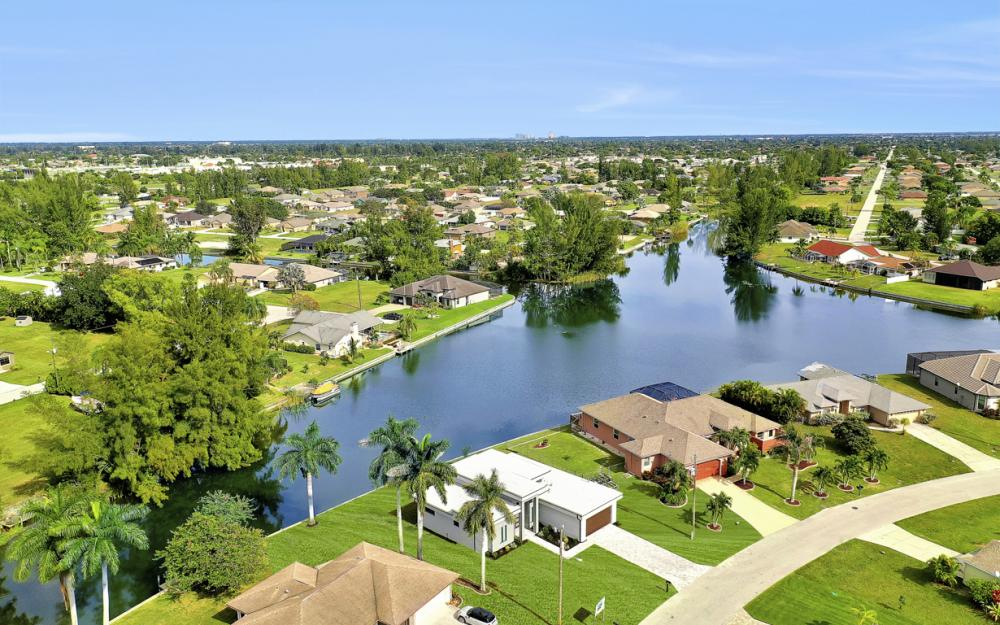 511 SW 28th Ter, Cape Coral - Home For Sale 1353767063