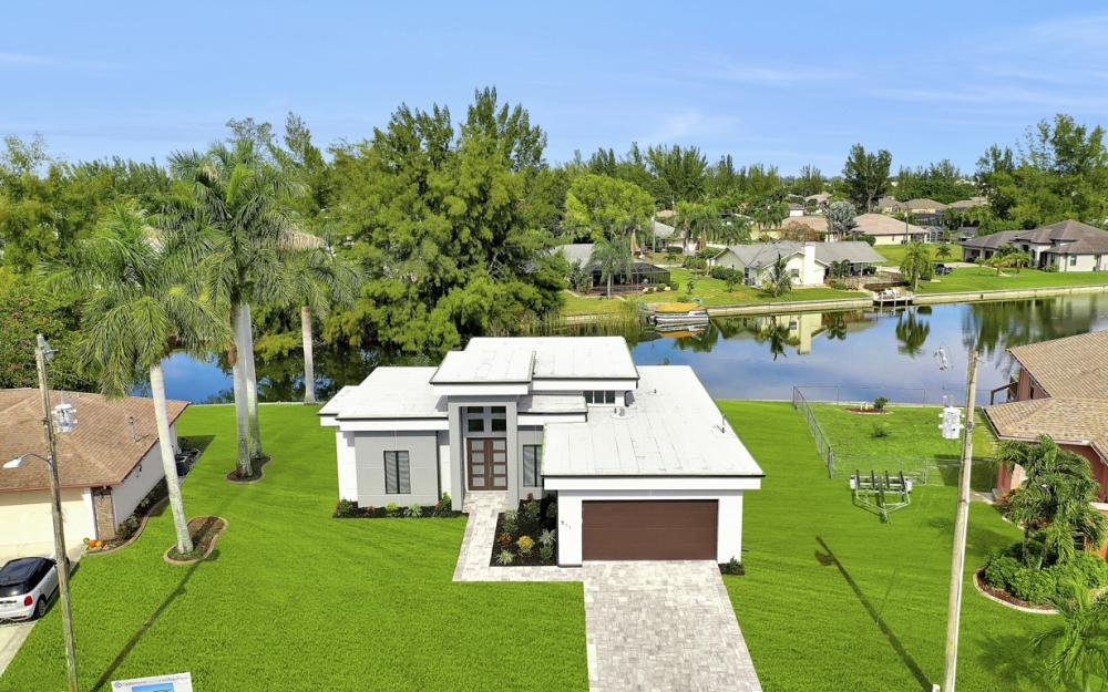 511 SW 28th Ter, Cape Coral - Home For Sale 2066282258