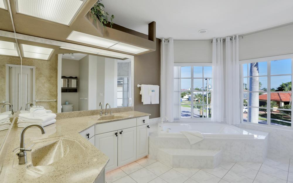 939 Juniper Ct, Marco Island - Vacation Rental 977211862