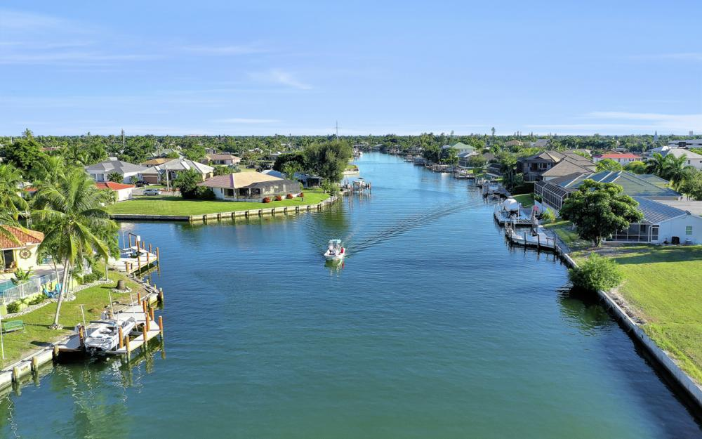 939 Juniper Ct, Marco Island - Vacation Rental 512499183