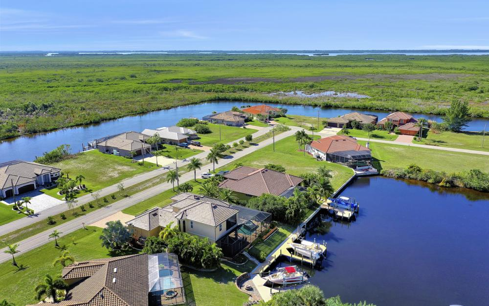 4307 Gulfstream Pkwy, Cape Coral - Home For Sale 1578912671