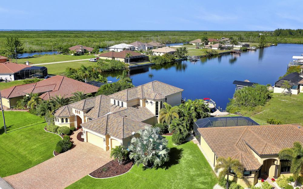 4307 Gulfstream Pkwy, Cape Coral - Home For Sale 1974404003