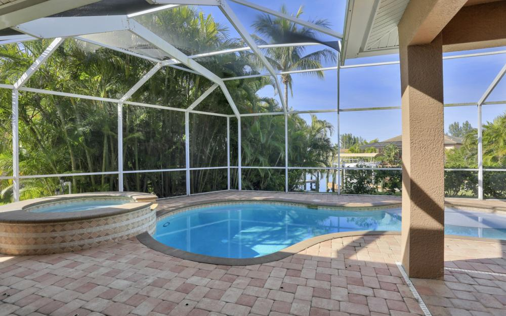 3601 NW 2nd St, Cape Coral - Home For Sale 389756481