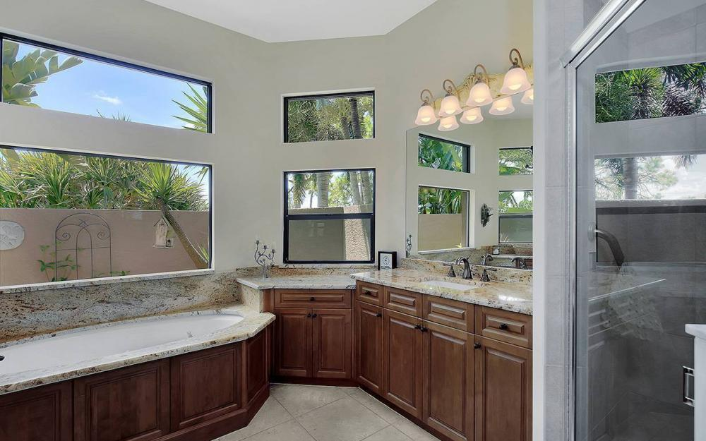 15421 Gullane Ct, Fort Myers - House For Sale 608664783