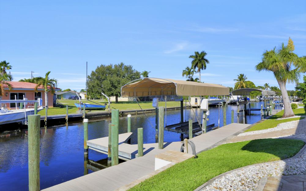 5366 Cortez Ct, Cape Coral - Luxury Home For Sale 288978558