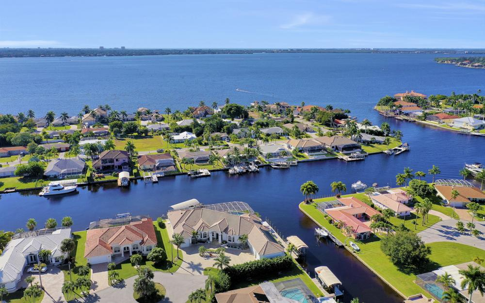 5366 Cortez Ct, Cape Coral - Luxury Home For Sale 596669571