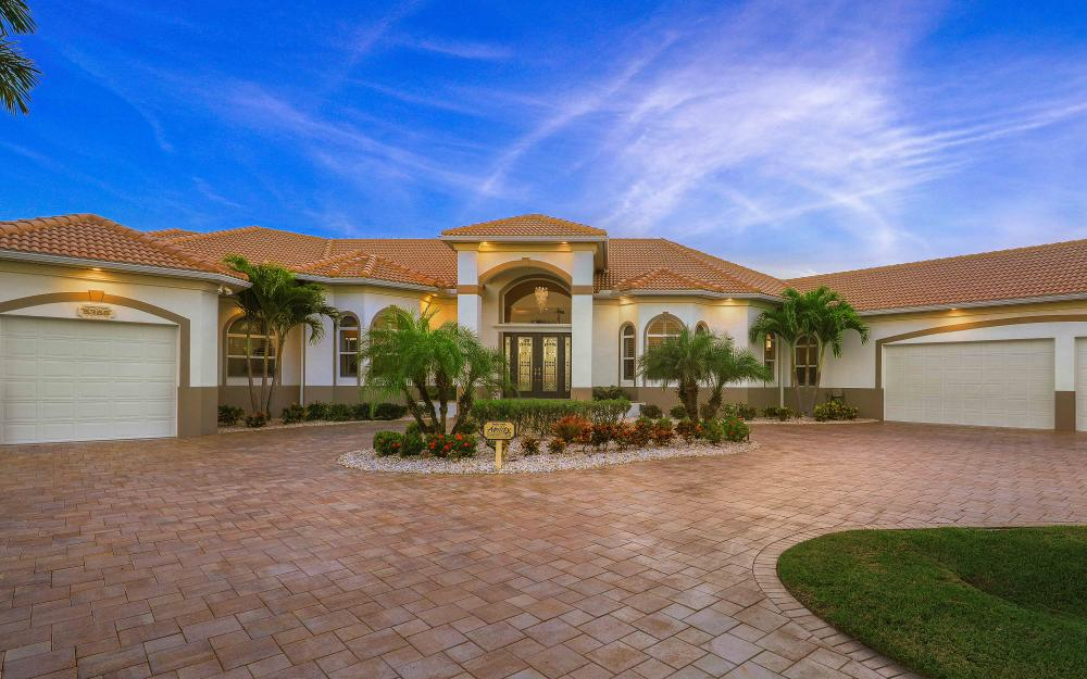 5366 Cortez Ct, Cape Coral - Luxury Home For Sale 2082190937