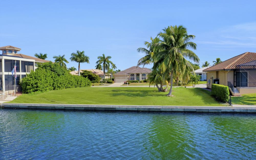 40 Primrose Ct, Marco Island - Lot For Sale 993644029