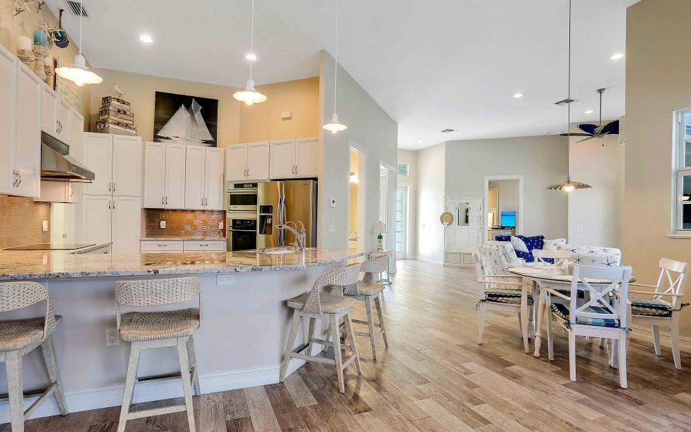 100 Beachcomber St, Marco Island - Home For Sale 1204002699
