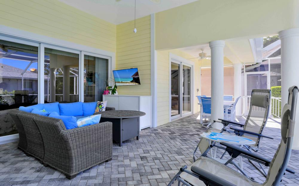 100 Beachcomber St, Marco Island - Home For Sale 1804324195