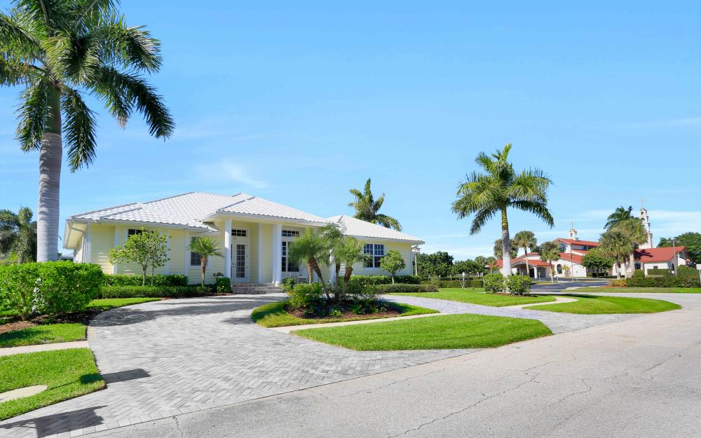 100 Beachcomber St, Marco Island - Home For Sale 80971577