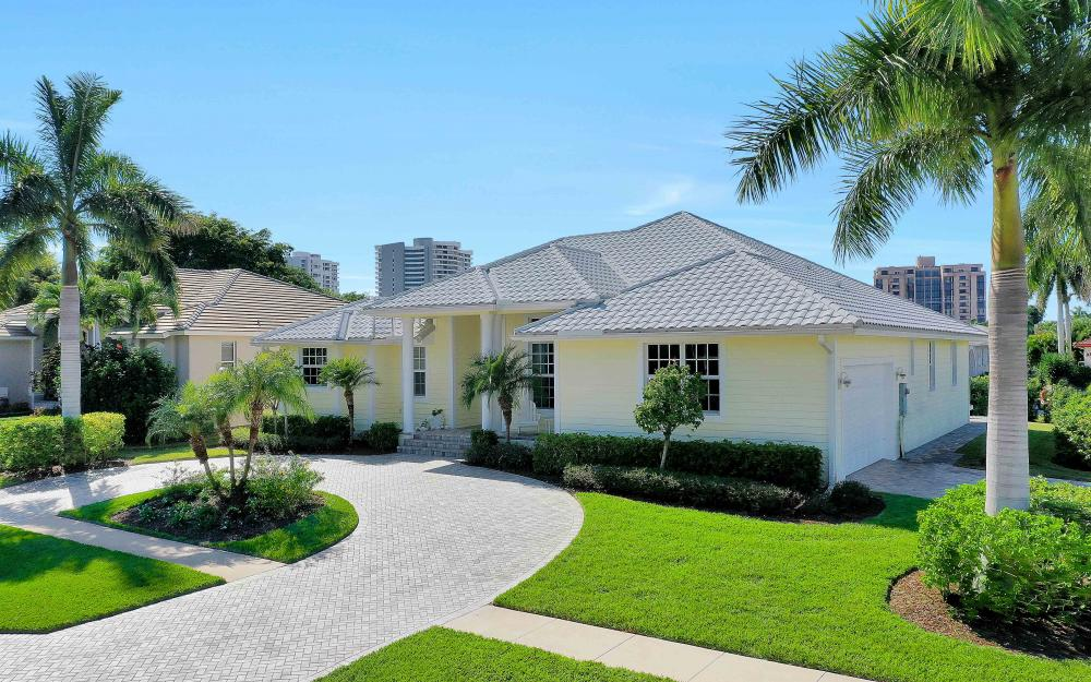 100 Beachcomber St, Marco Island - Home For Sale 764970505