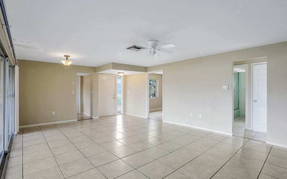 825 Lucerne Pkwy, Cape Coral - Condo For Sale 488479972