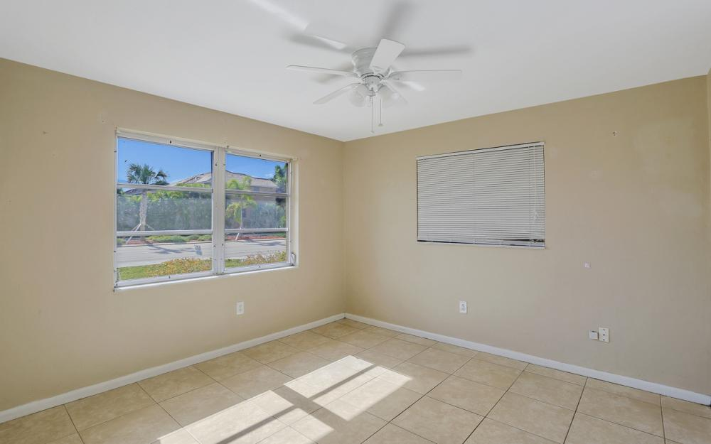 825 Lucerne Pkwy, Cape Coral - Condo For Sale 1916944189